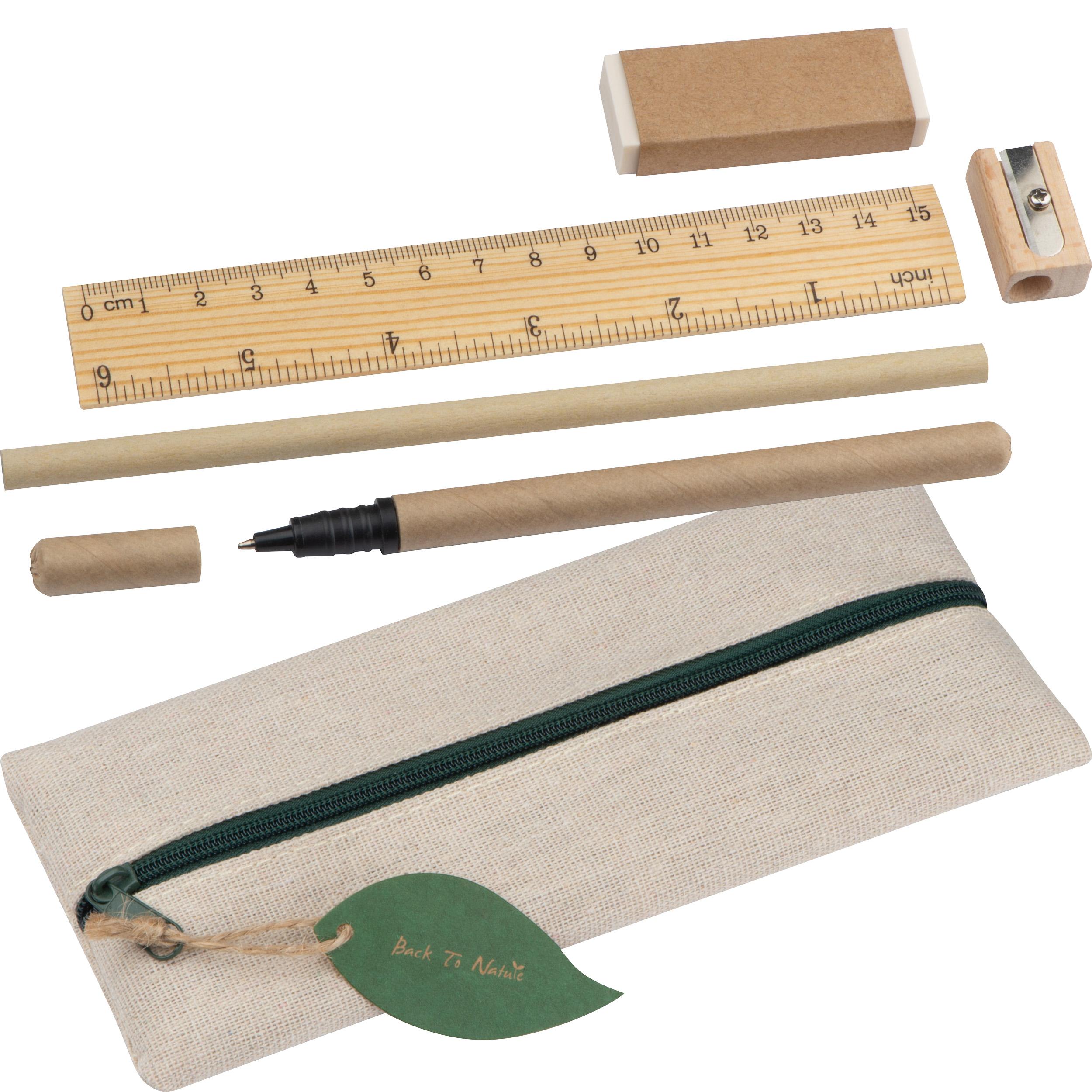 Set d'écriture avec règle, gomme, taille-crayon, crayon et rollerball