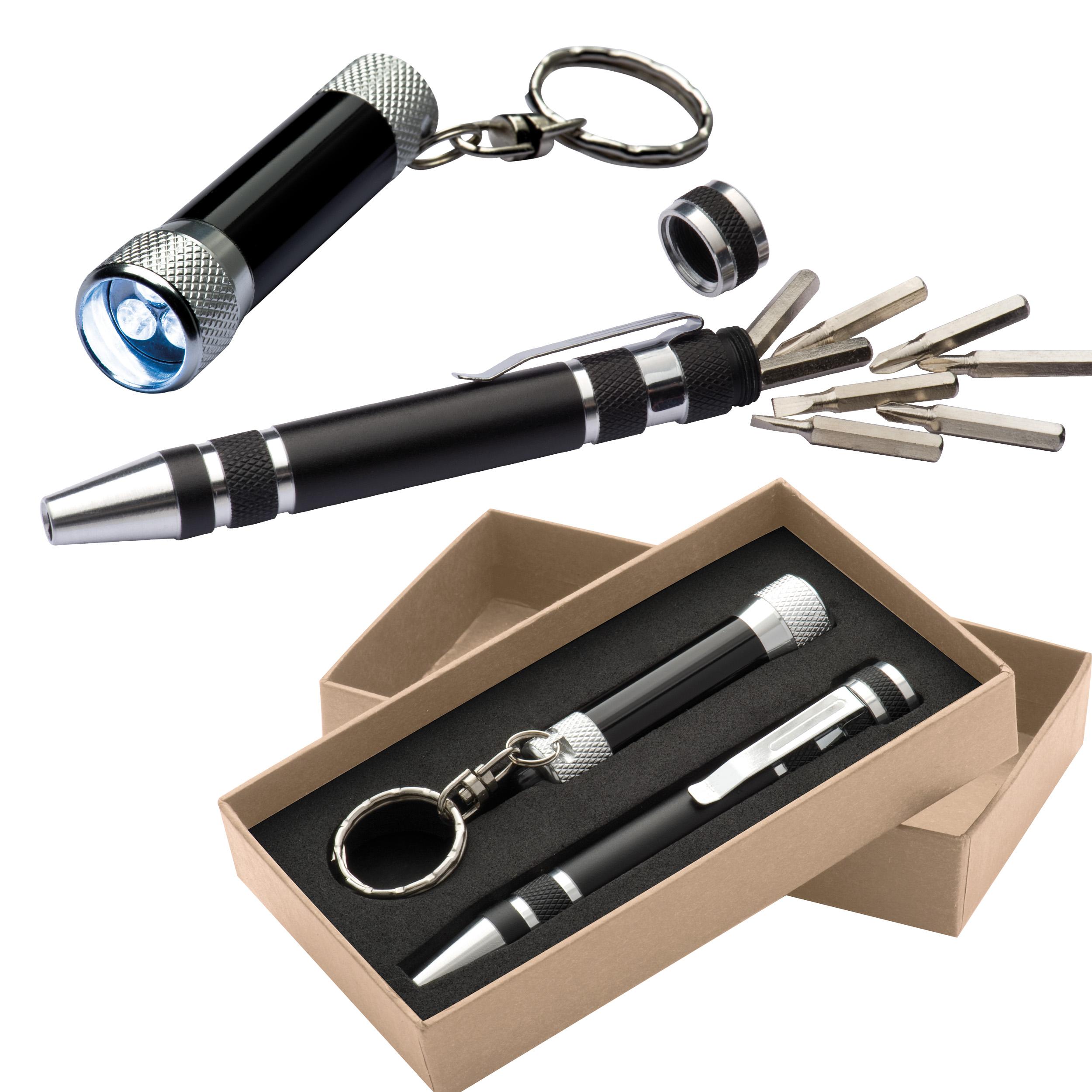 Set aus Schraubenziehern und LED-Taschenlampe